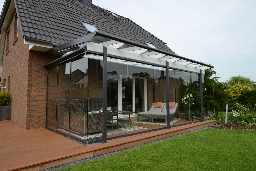 Sommergarten Aluna in den Farben weiß und grau. Hersteller Schulze Braak aus Hamburg.