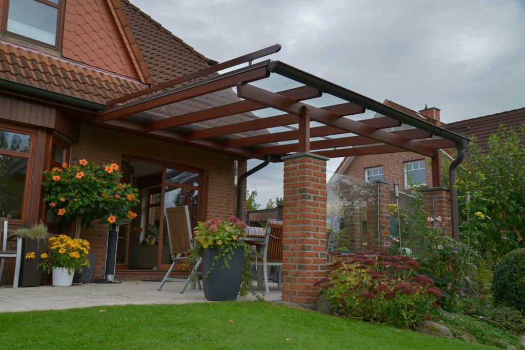 Terrassendach au Holz und Stein | Ratgeber SchulzeBraak