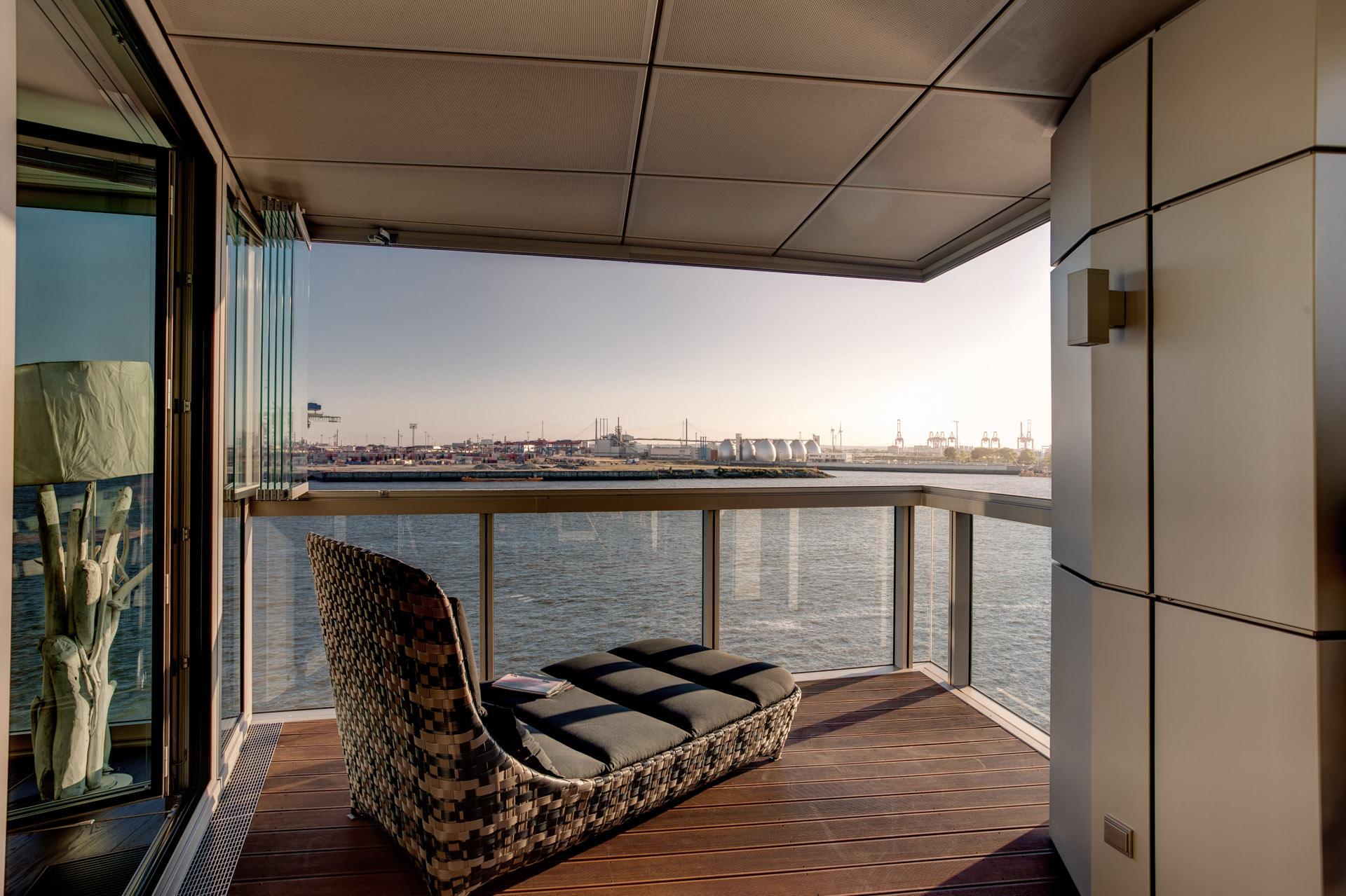 solarlux balkonverglasung in hamburg schulze braak. Black Bedroom Furniture Sets. Home Design Ideas