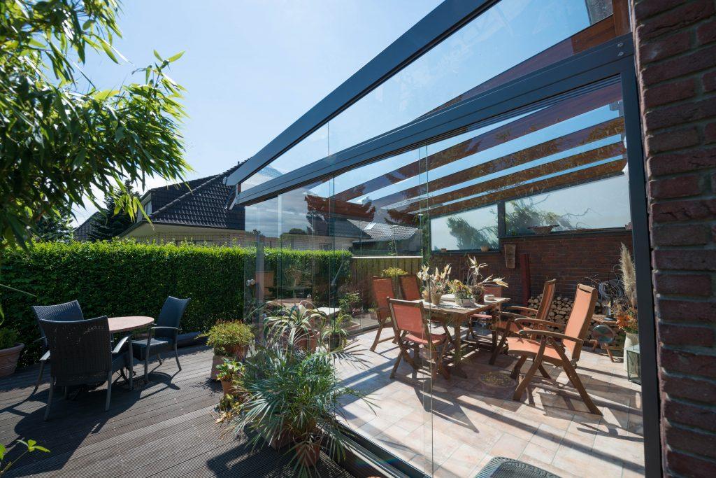 Ein Glashaus aus einer Holz/Aluminium Kombination von SchulzeBraak aus Hamburg