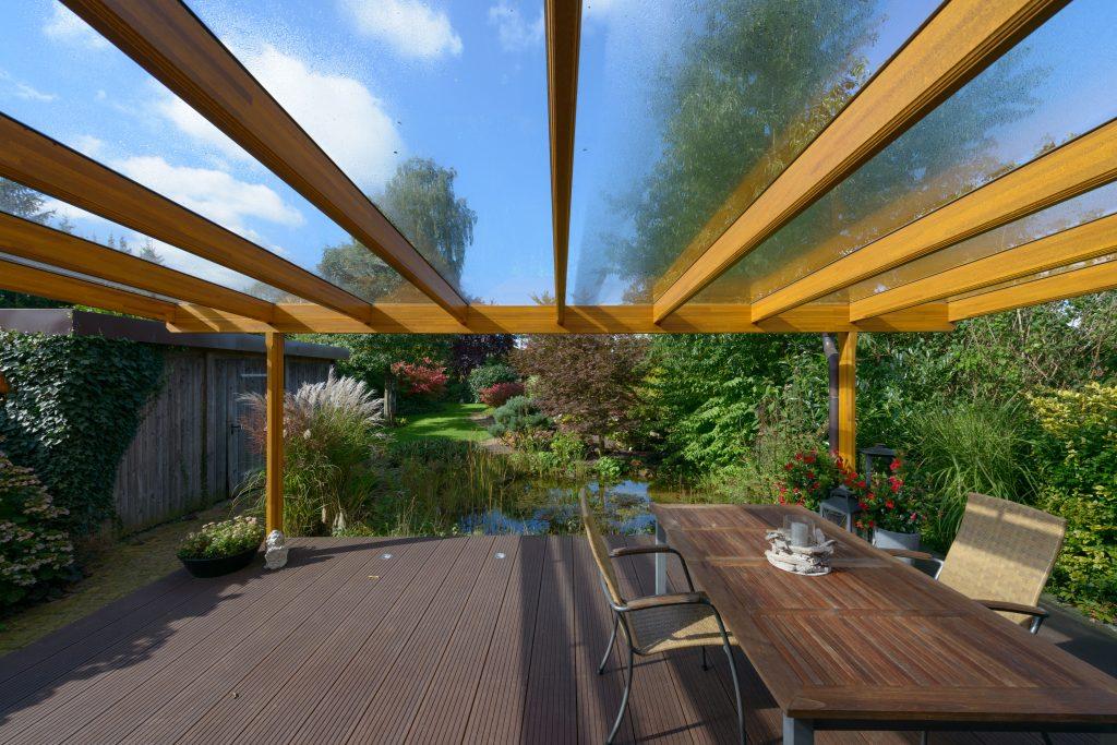 Pultdach Terrassendach aus Holz in der Farbe Eiche hell vom Hersteller Schulze Braak aus Hamburg.
