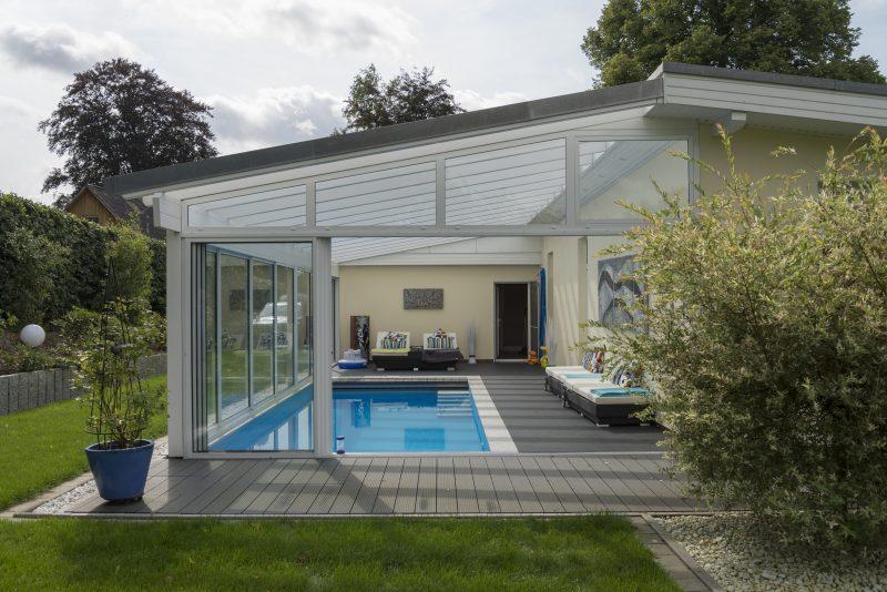 Schiebetüren für eine gute Belüftung bei einem Pool im Wintergarten | Ratgeber SchulzeBraak