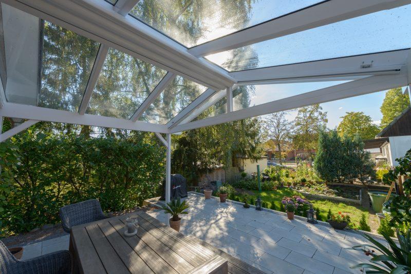 Terrassendach mit einem klassischen Satteldach | Ratgeber SchulzeBraak Hamburg