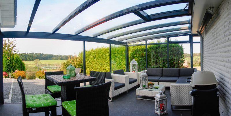 Belüftung eines Solarlux Glashauses durch ein Dachfenster | Ratgeber SchulzeBraak Hamburg