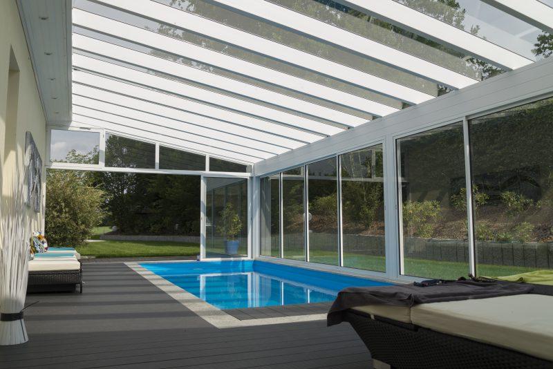 Pool Überdachung aus Glas als Sommergarten | Ratgeber SchulzeBraak