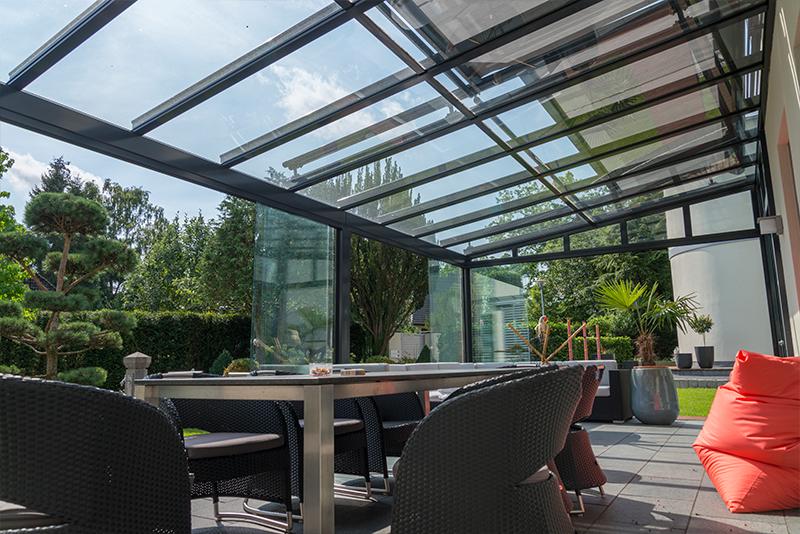 Ganzglas Schiebetüren für einen Sommergarten | Ratgeber SchulzeBraak Hamburg
