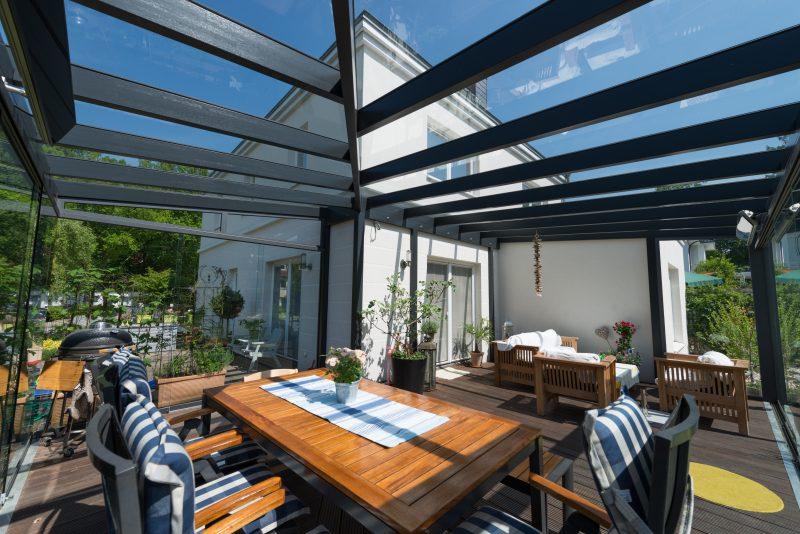 Ein Sommergarten um die Ecke herum gebaut | Ratgeber SchulzeBraak