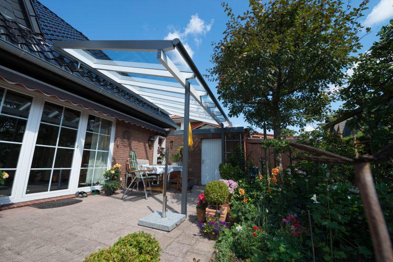 Terrassendach aufgeständert auf dem Hausdach | Ratgeber SchulzeBraak Hamburg