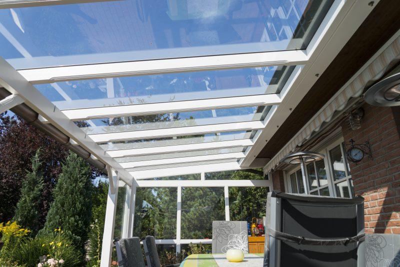 Terrassendach mit einer Glaseindeckung | Ratgeber SchulzeBraak